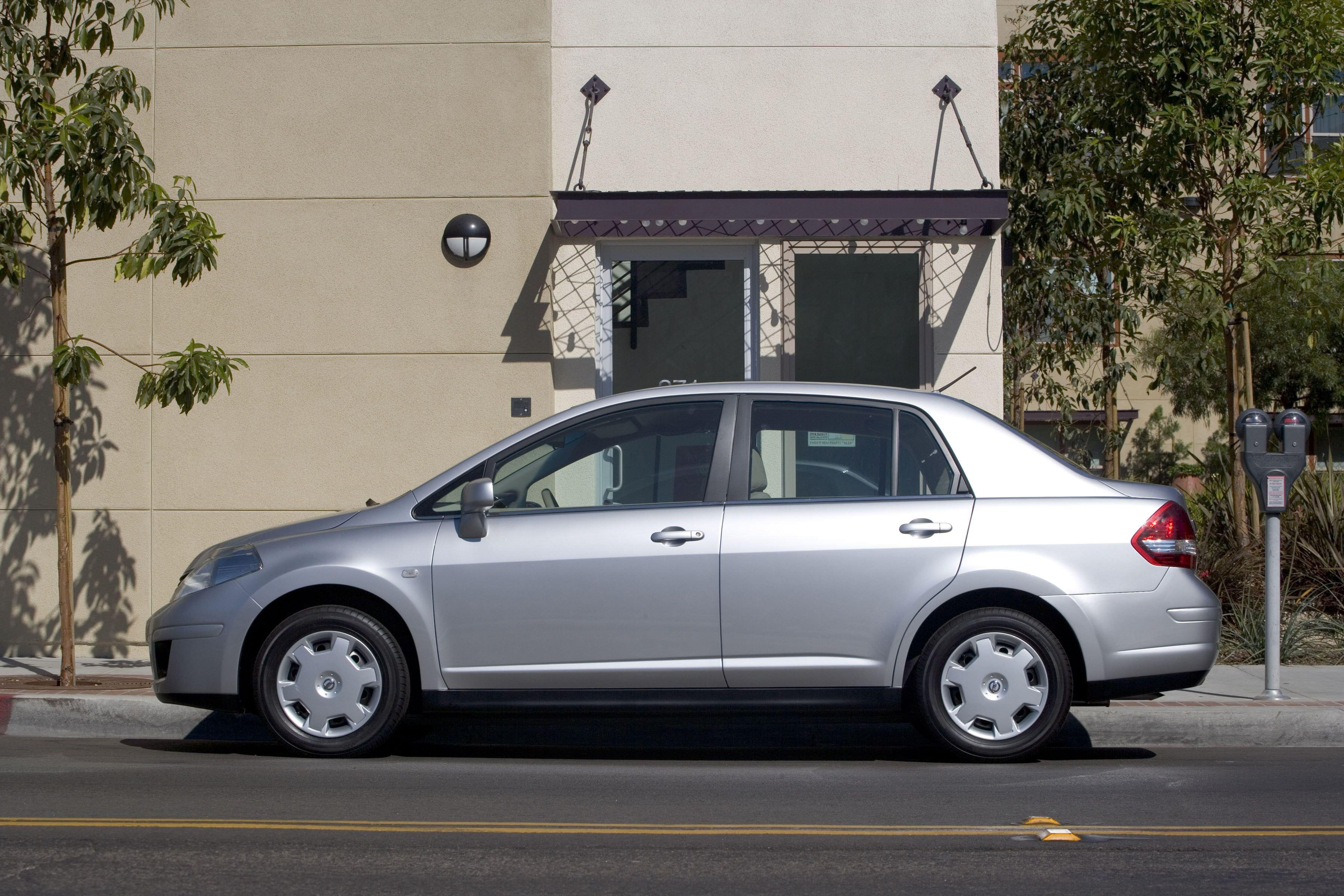 Nissan Versa Downloads and Manuals - Sponsored by NICO